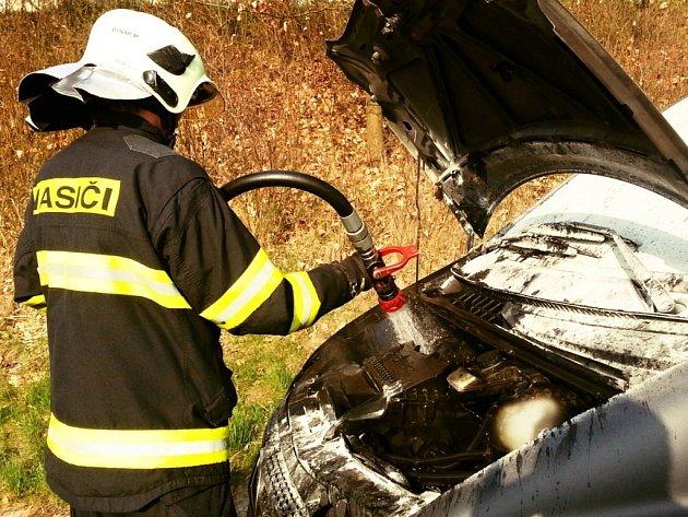 Požár auta u Přáslavic