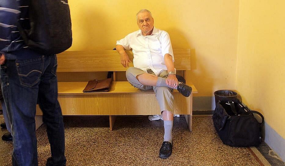 Svědek Jaromír Dolníček před jednací síní Okresního soudu v Olomouci