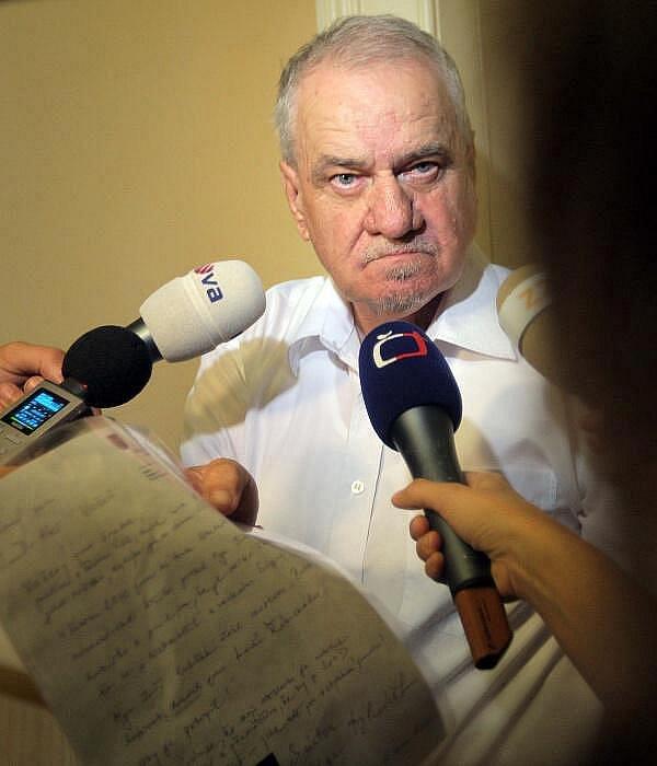Klavírní impresário Jaromír Dolníček jako svědek u Okresního soudu v Olomouci
