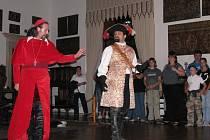 Kardinál Richelieu, královna Anna nebo slavný mušketýr D'Artagnan nahradili na šternberském hradu obvyklého průvodce.