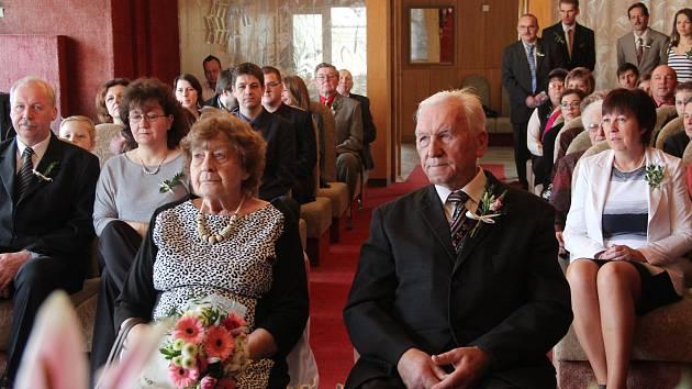 Diamantová svatba, to je šedesát let trvající manželství, přesněji 21900 společně strávených dnů. Výjimečné životní jubileum slavili v sobotu 4. března manželé Šolcovi.