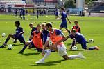 Fotbalová škola Romana a Michala Hubníkových v Olomouci - Roman Hubník v popředí
