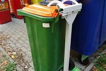 Zelený kontejner, do kterého lze v Olomouci vyhazovat použitý olej z domácností
