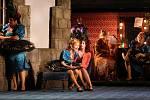 Operetní inscenace Mamzelle Nitouche v Moravském divadle Olomouc.