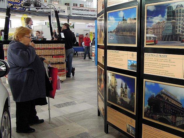 Poznej svůj kraj. Takový je slogan letošního už 17. ročníku veletrhu TOURISM EXPO 2012. Letos sází na propagaci zajímavých lokalit střední Moravy a regionální turistiku vůbec. Brány výstavy se na Floře otevírají v pátek 27. ledna, veletrh potrvá do neděle