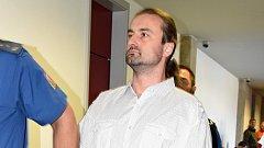 Josef Ondrýsek u krajského soudu v Olomouci, který jej poslal na 8,5 roku do vězení za tragickou nehodu v olomoucké části Holice