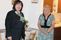 Ivana Zemanová v penzionu pro seniory v Jeseníku.