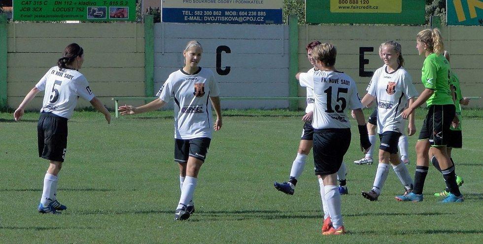 Fotbalistky Nových Sadů rozstřílely soupeřky z Mostkovic 5:0
