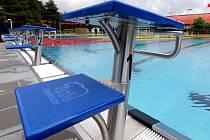 Letní areál plaveckého stadionu v Olomouci