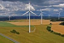Větrníky u Horní Loděnice. Ilustrační foto