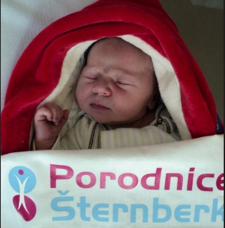 Sofie Milerová, Šternberk, narozena 24. června 2020, míra 50, váha 3680 g