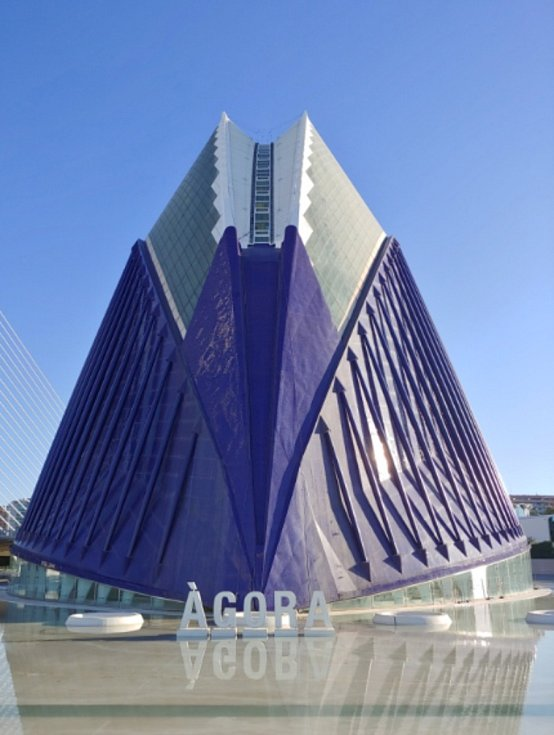 Moderní architektura Santiaga Calatravy ve Valencii