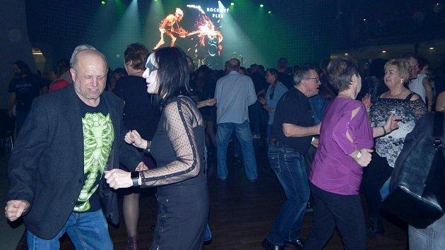 Rockový ples na olomouckém výstavišti Flora