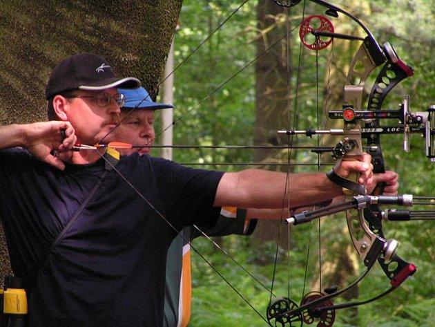 Jedním z netradičních sportů, ve kterém změří akademici své dovednosti, bude i střelba z luku.