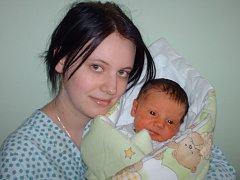 Nikola Cveková, Uničov, narozena 29. března ve Šternberku, míra 50 cm, váha 3480 g