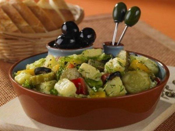 Bramborový salát sčínským zelím