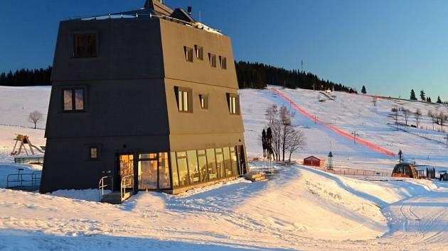 Horský penzion Kraličák v Hynčicích pod Sušinou navržený olomouckým ječmen studio získal cenu Grand Prix architektů 2014 v kategorii Novostavba. Autor: