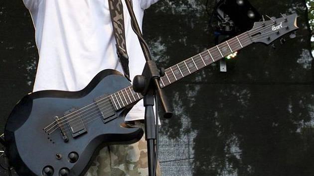 Ukradená kytara kapely Stracené ráj