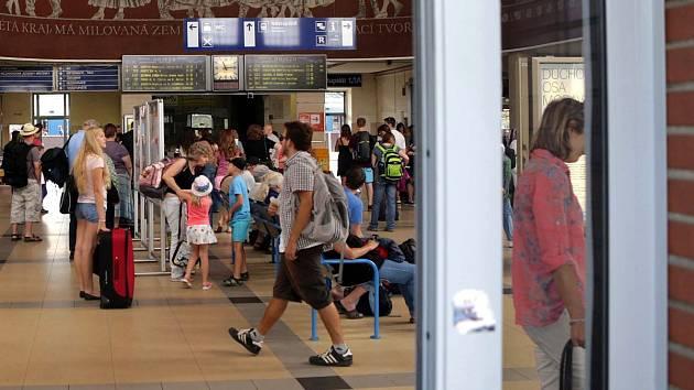 Vestibul olomouckého hlavního nádraží. Ilustrační foto