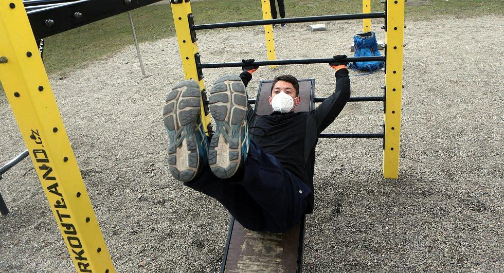 Workoutové hřiště na olomouckém sídlišti Povel