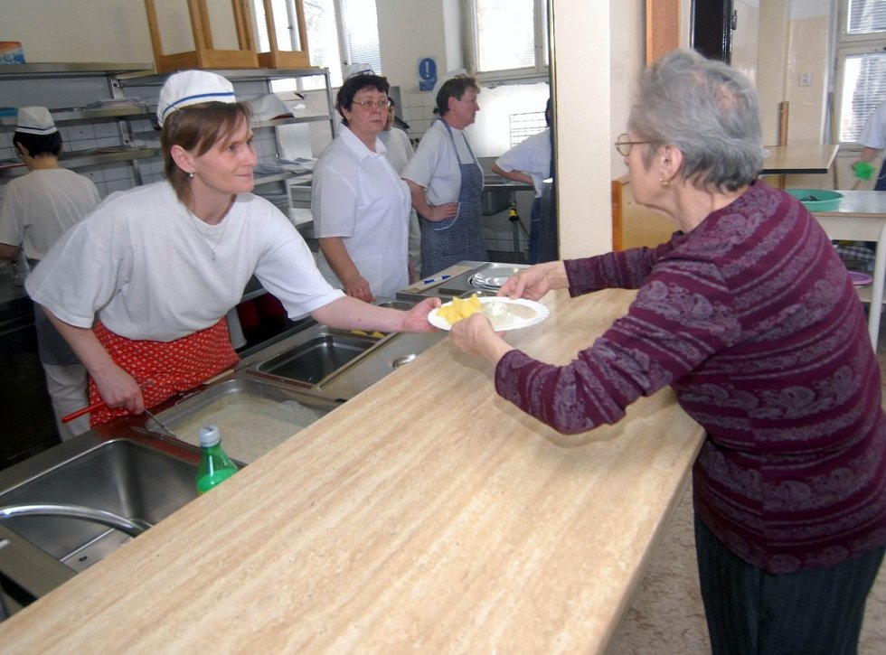 3. dubna 2006, Olomouc, evakuační centrum na ZŠ Terrerova