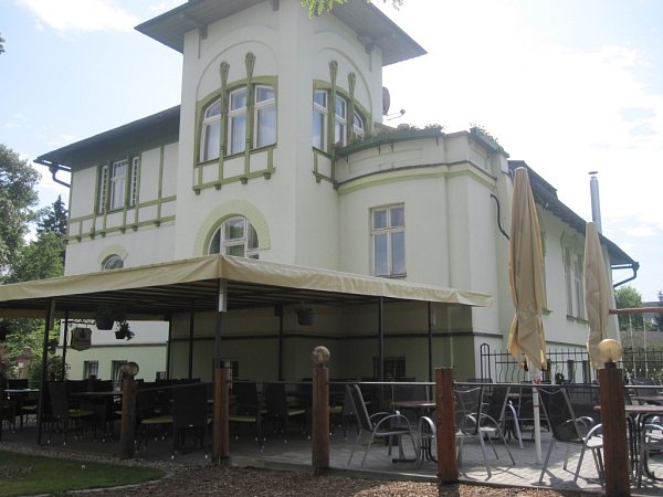 36. Restaurace Habermannova vila, Bludov