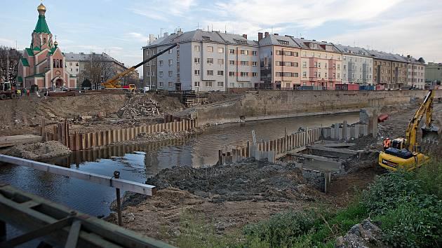 Stavba protipovodňových opatření u Bristolu v centru Olomouce. Listopad 2018