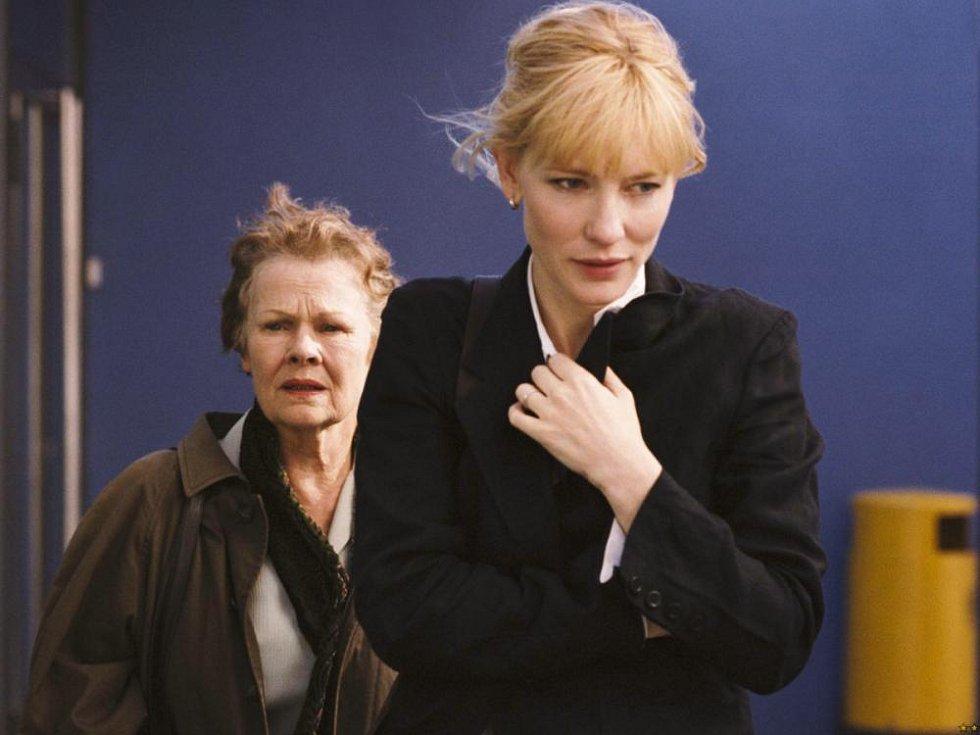 Snímek Zápisky o skandálu a držitelky Oscara Judi Dench a Cate Blanchett.