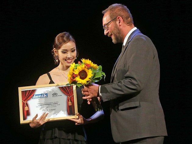 Cena čtenářů Olomouckého deníku: Yui Kyotani (kategorie balet). Slavnostní zahájení sezony Moravského divadla Olomouc