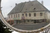 Dům v Moravském Berouně, na který 25. ledna zaútočili zápalnými láhvemi