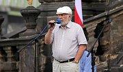 Josef Jařab. Demonstrace proti Babišovi a komunistům na Horním náměstí v Olomouci