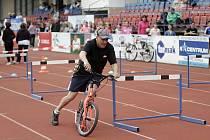 Krajské sportovní hry seniorů na stadionu olomoucké Lokomotivy
