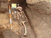 Jeden z hrobů na dvoře Národního domu. Ilustrační foto.
