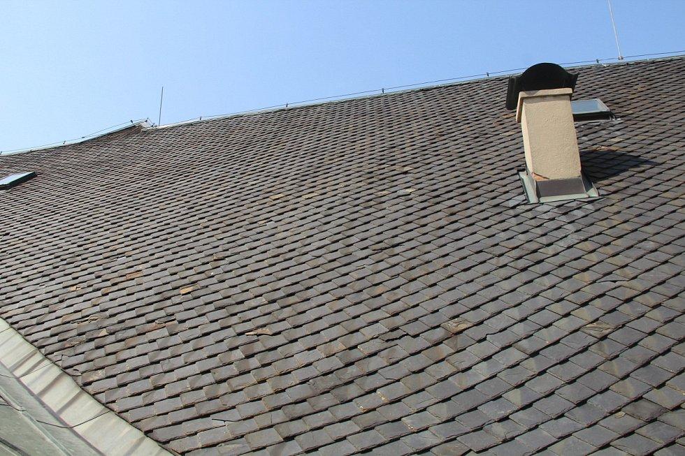 Oprava střechy Moravského divadla v Olomouci