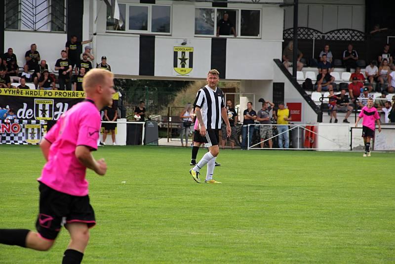 Hodolany (v černobílém) porazily Újezd 5:0.