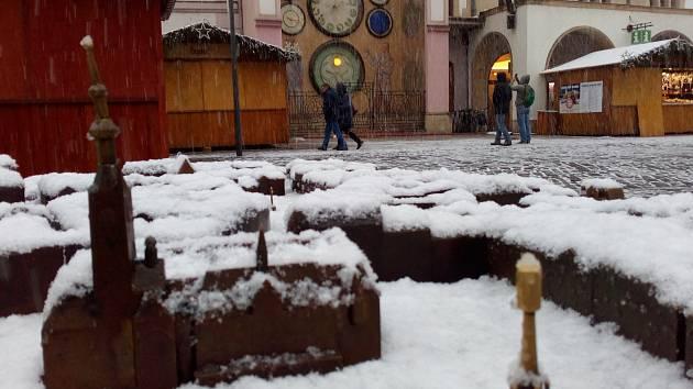 20. listopadu 2018. Zasněžený model města na Horním Náměstí v Olomouci