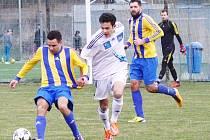 Fotbalisté FK Šternberk (v bílém) porazili v 18. kole FC Dolany 4:1 (1:1).