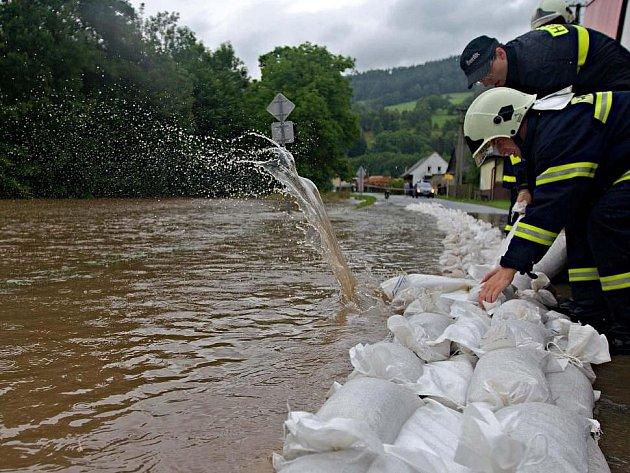 Řeka Morava 22. července 2011.  Bohdíkov