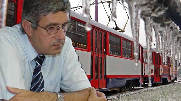 DPMO podle ředitele Vladimíra Menšíka ledovou kalamitu zvládl i bez jeho přítomnosti. Ilustrační koláž