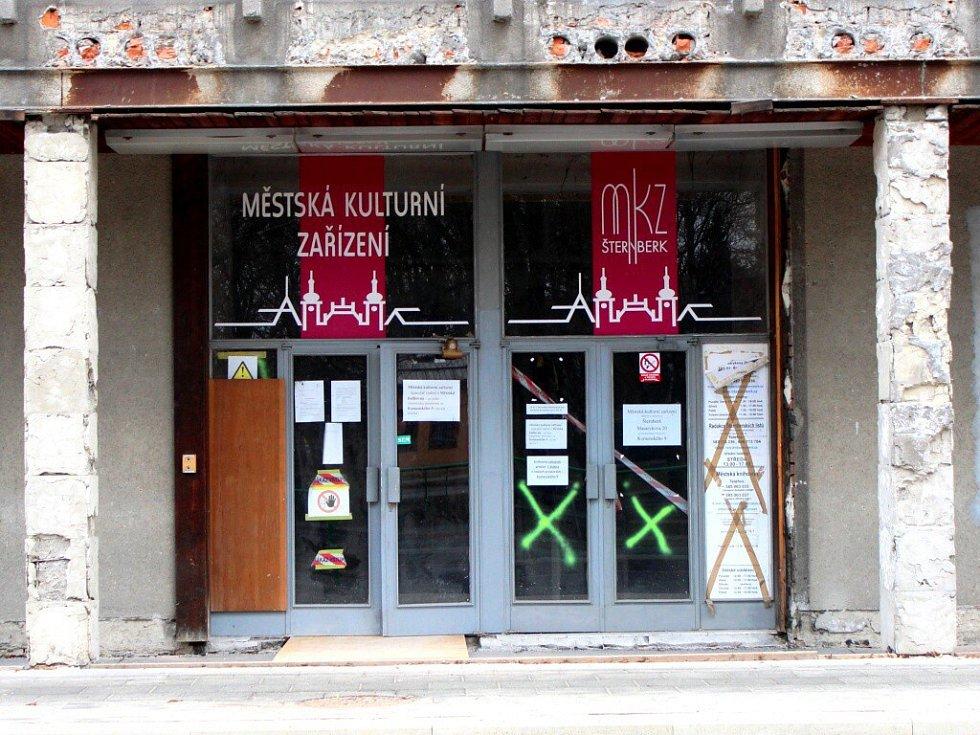 Rekonstrukce Městského klubu ve Šternberku. Březen 2015