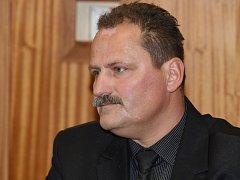 Bývalý velitel šternberských strážníků Pavel Pospíšil u Okresního soudu v Olomouci