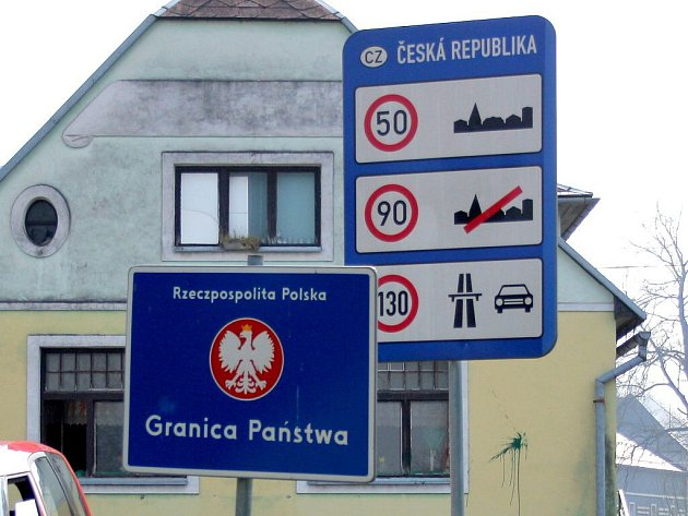 Česko-polská hranice ve Velkých Kuněticích na Jesenicku. Ilustrační foto