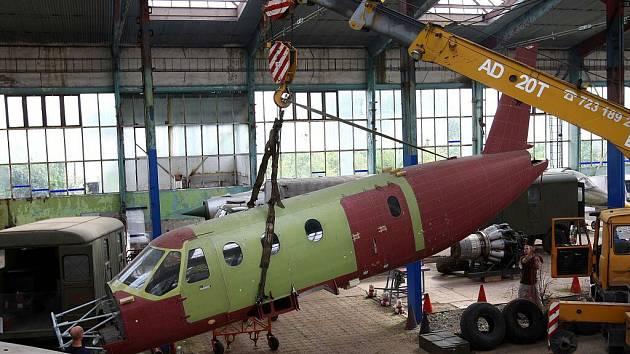 Letecké muzeum Olomouc muselo vyklidit hangáry v Neředíně.  Ilustrační foto