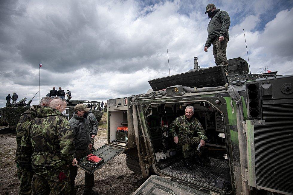 Interiér obrněnce CV90 na mediálním dnu při testování bojových vozidel pěchoty (BVP) z tendru pro českou armádu ve vojenském prostoru Libavá, 27. května 2021.