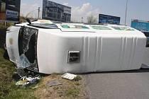 Nehoda opilého šoféra dodávky na rondelu u olomouckého Globusu