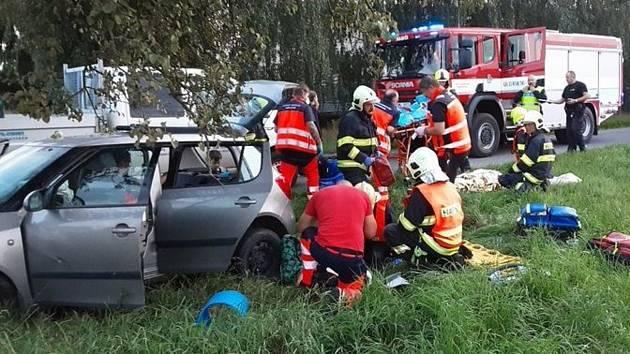 Pět osob se zranilo při vážné dopravní nehodě u obce Renoty u Uničova. 7. 9. 2021