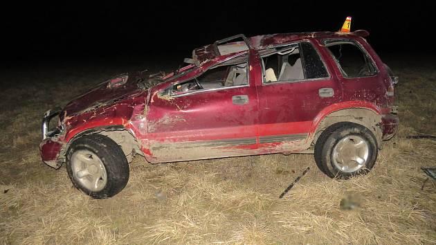 Řidič vozidla havárii na silnici mezi Moravským Berounem a Horní Loděnicí nepřežil.