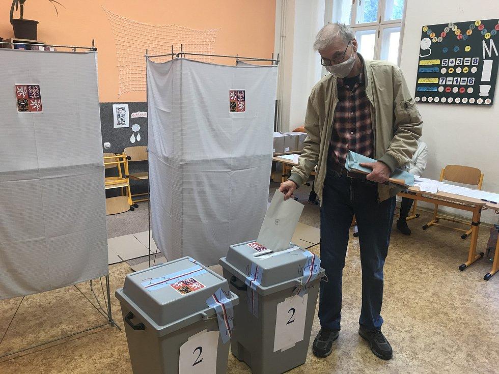 Krajské volby na ZŠ 8. května v Olomouci, sobota 3. září 2020