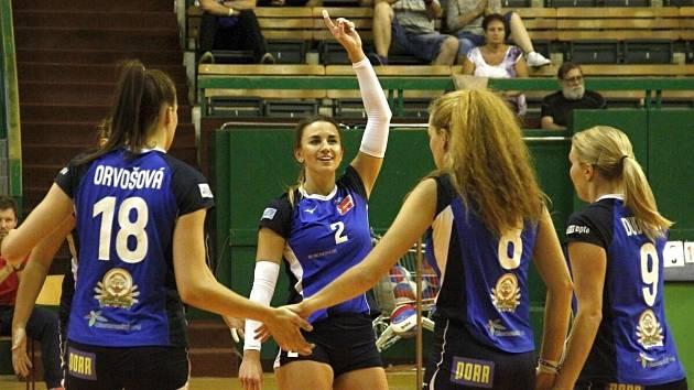 Olomouc (v modrém) proti Prostějovu. Tomi Remont Cup v Olomouci
