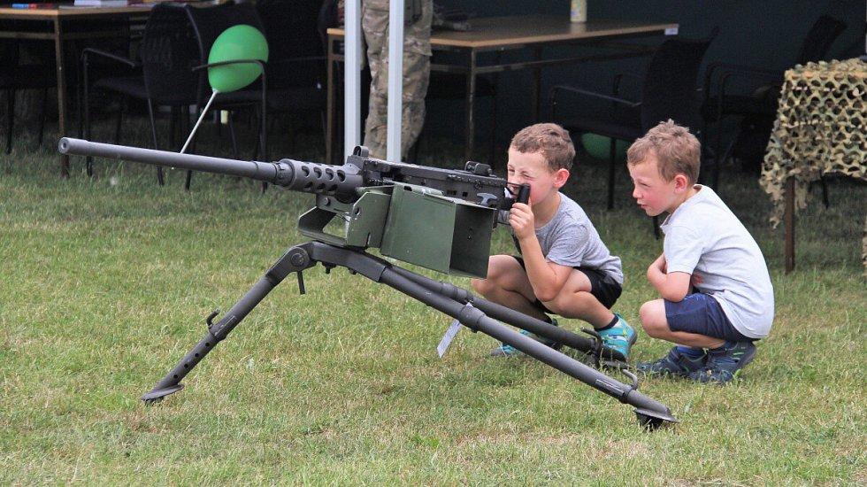Army Day na baseballovém hřišti na Lazcích